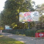 Ile kosztuje zaśmiecanie Radzymińskiej reklamami?