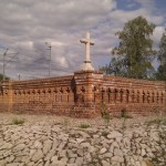 Najbardziej ukryty cmentarz w Warszawie [zdjęcia]