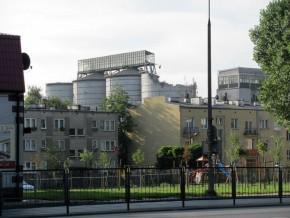 Zakłady Tłuszczowe na początku rozbiórki w sierpniu 2012 r. Dziś w tym miejscu jest pusta działka / fot. targowek.info