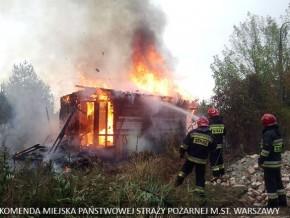 Spłonęła altanka z bezdomnymi, jedna osoba zginęła