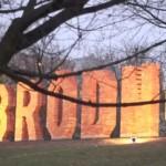 Czy warto podświetlić napis Bródno?