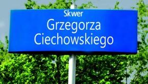 Rada Warszawy oficjalnie nazwała Skwer Grzegorza Ciechowskiego