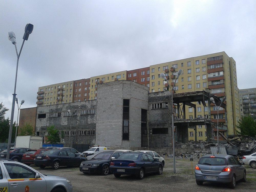 Pustostan pomiędzy Kondratowicza i Suwalską /fot. targowek.info
