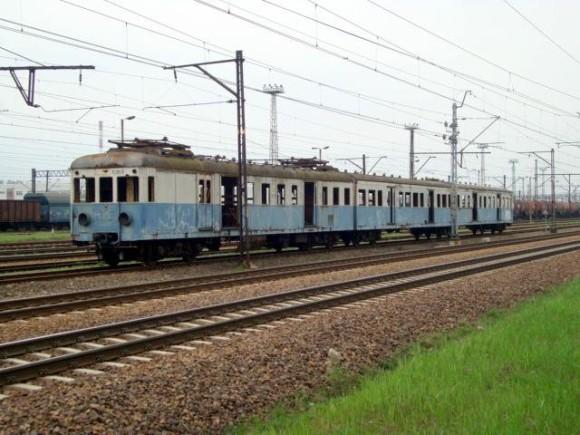 Jeden z eksponatów przyszłego muzeum: przedwojenny pociąg EW51 / fot. Muzeum Komunikacji