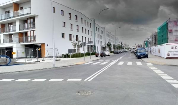 Plac Ostrej Bramy to skrzyżowanie Zamkowej z Wierną / fot. targowek.info