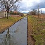 Promenada nad kanałkiem także na Bródnie