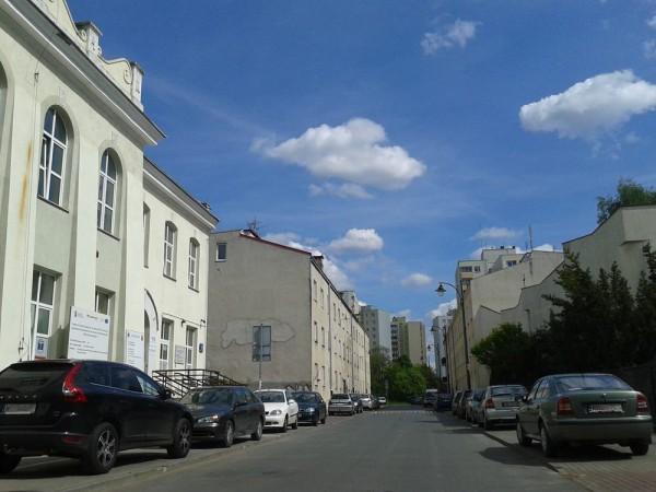 Dziś ze starej ul. Tykocińskiej został tylko mały, choć urokliwy fragment / fot. targowek.info