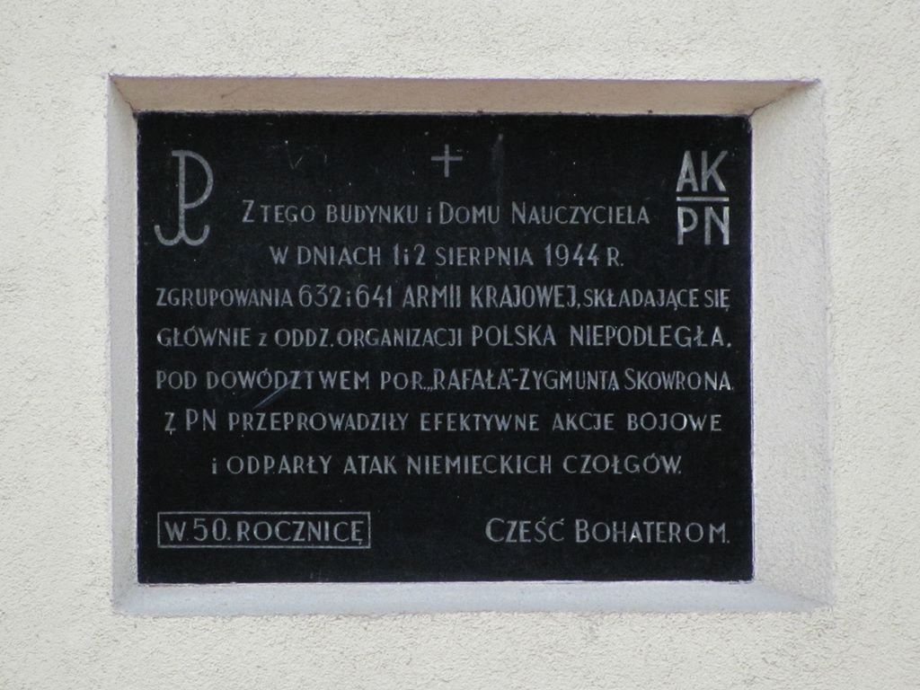 Tablica pamiątkowa przy ul. Wysockiego /fot. targowek.info