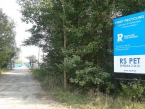 Wjazd do zakładu firmy First Recykling /fot. targowek.info