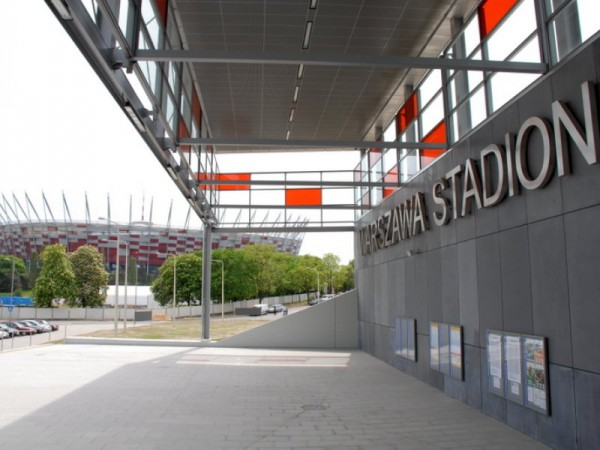 Stacja PKP Stadion z widokiem na stadion /fot. UM Warszawa