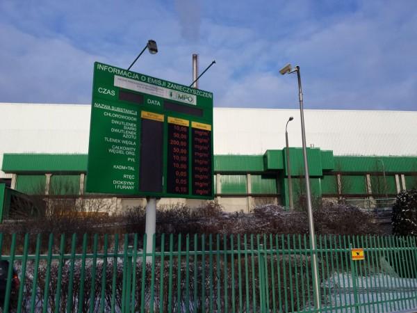 Tablica informacyjna przy spalarni na Targówku nie działa (zdjęcie z 29.12.2014) /fot. targowek.info