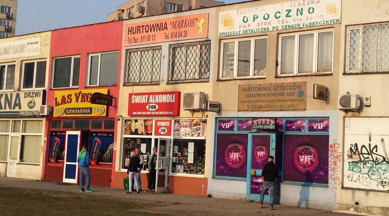 Sklep z alkoholem przy ul. Wysockiego /fot. targowek.info
