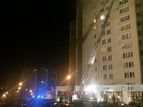 Ogień w bloku na Wyszogordzkiej