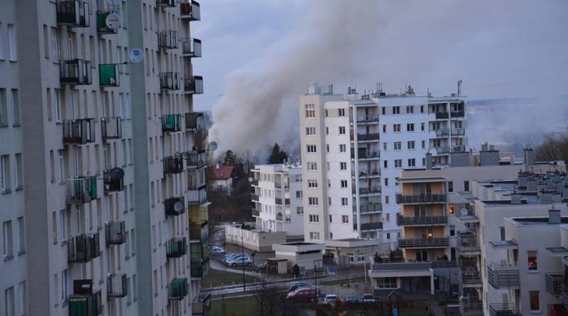 Pożar na ul. Ostródzkiej / fot. czytelniczka targowek.info