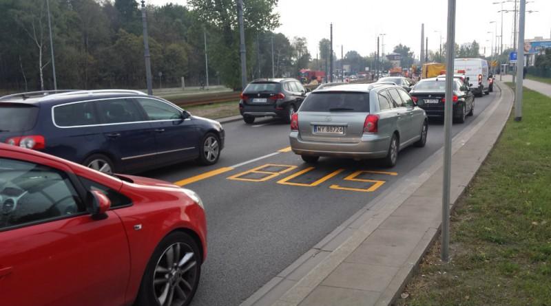 Kierowcy osobówek raczej nie mogą sie tłumaczyć, że nie zauważyli buspasa...