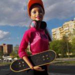Warszawa jak ta lala – czyli lalka Barbie, która jest… fanką Bródna