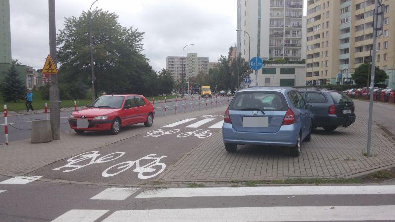 Parkowanie przy Wyszogrodzkiej / fot. od Adriana