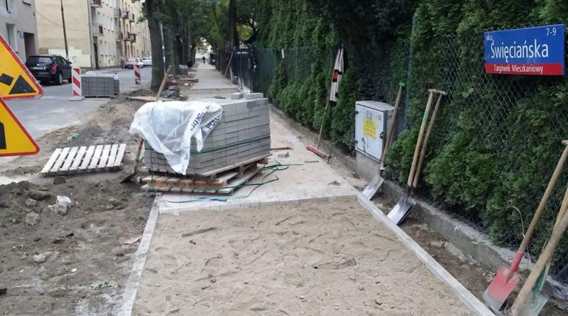 Budowa chodnika na Święciańskiej / fot. targowek.info