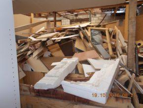 Te odpady miały być spalne w piecu / fot. Straż Miejska