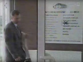 Odcinek Klanu z 1997 roku. Doktor Lubicz wchodzi do Enelmedu na Zaciszu
